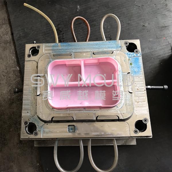 Пластиковый ланч-бокс для литья под давлением