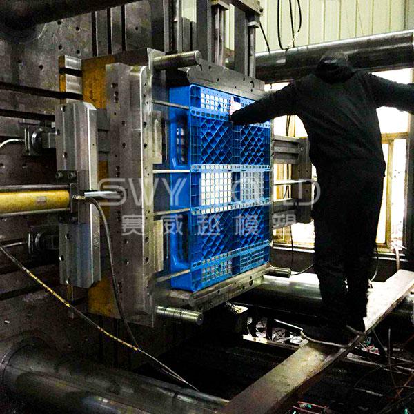 Одностороннее формование промышленных лотков