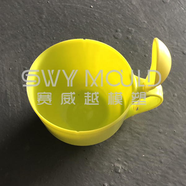 Форма портативной пластиковой миски с ложкой