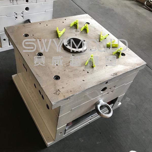 Пластиковая форма для прищепок
